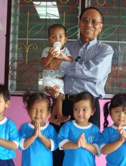 Dr A with children-2